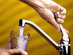 352-pouring-glass-of-water-pv